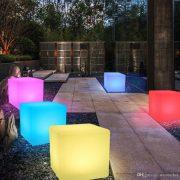 cubo luminoso rgb con cavo elettrico