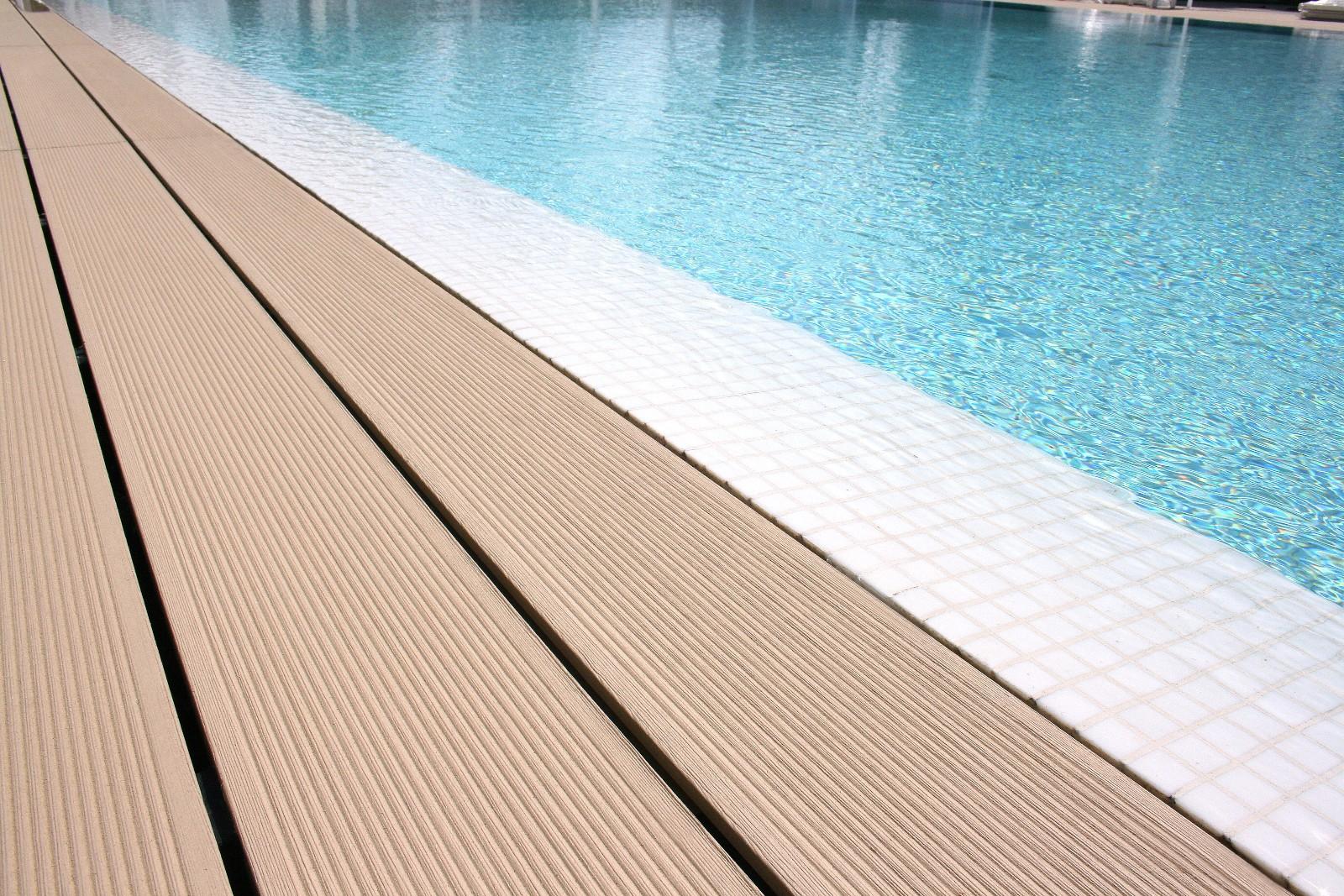 Pavimenti per esterno in wpc piscina & giardino shop