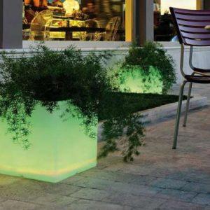 Cubo vaso fioriera luminoso rgb